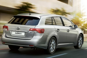 Toyota Avensis Active Tourer Optimal Drive 2.0 D-4D 126 DIN BHP